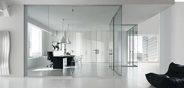 glass partition wall מחיצות זכוכית